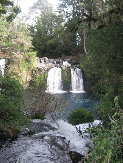 Ojos de Caburga, cachoeira em Pucón