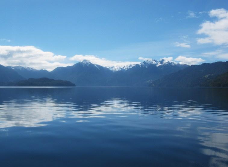 Navegação pelo Lago Todos Los Santos no Cruce Andino
