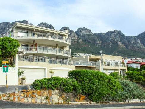 Fachada do hotel 3 On Camps Bay na Cidade do Cabo